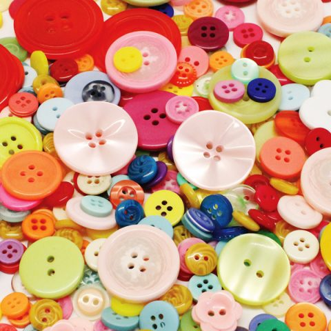 BI7979 Assorted Buttons 500g